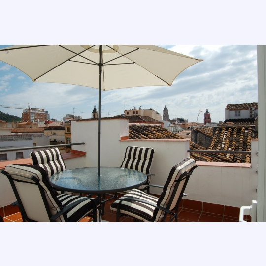 Penthouse with Roof Terrace in Plain City Center of Malaga (2 persons)