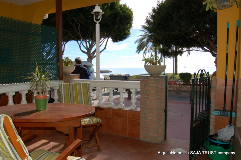 Malaga: Beautiful Beach Apartment - Holiday Rentals Malaga
