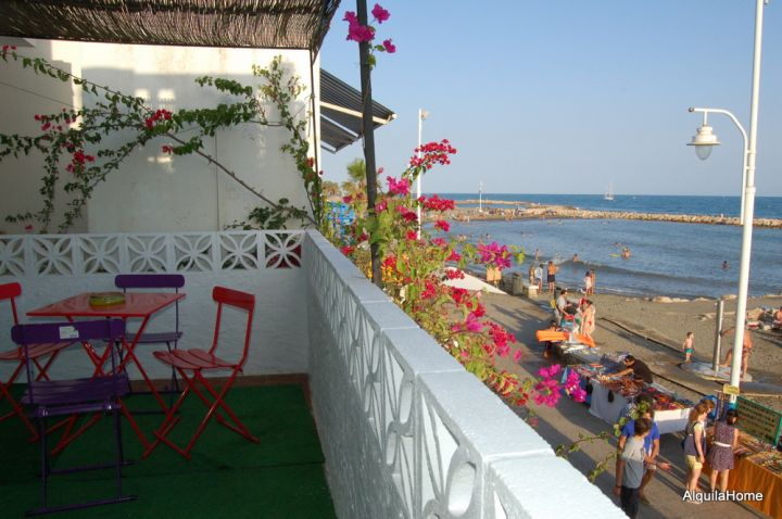 Pedregalejo: Holiday Beach Apartment (Studio) for Rent