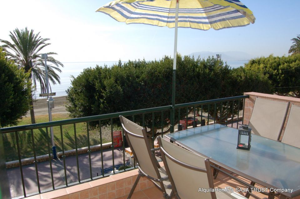 Beachfront Holiday Apartment at El Palo-Malaga Beach (4 pers.)