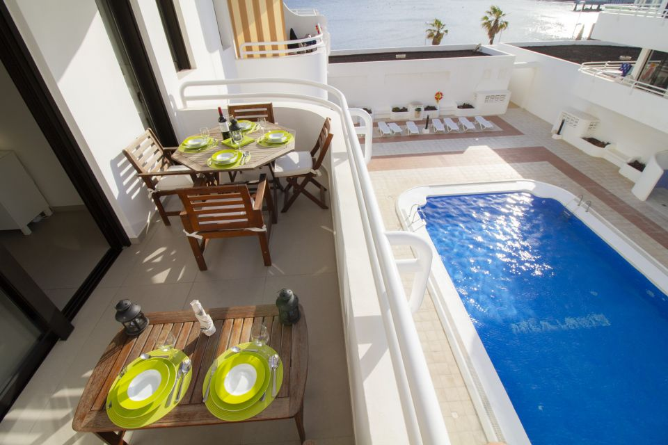 Great holiday apartment at the harbour of El Médano with a pool